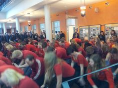 What happened today @ Uppsala University. Why are som many students dressed in red? Are they dancing? :D #education