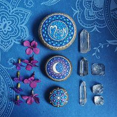 Elspeth McLean Creates Beautiful Hand-Painted Stones