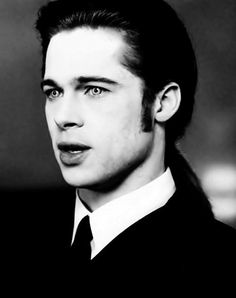 BRAD PITT in Interview with a Vampire THIS IS WHEN HE HAD LONG HAIR, LOVED IT.