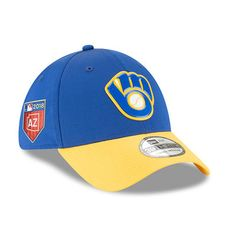 eaf30c87762 Men s New Era Blue Milwaukee Brewers 2018 Spring Training Collection  Prolight 39THIRTY Flex Hat