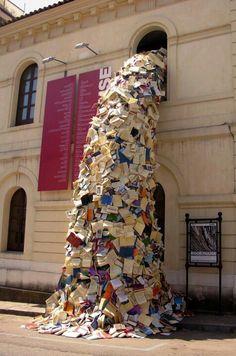 Una cascata di libri
