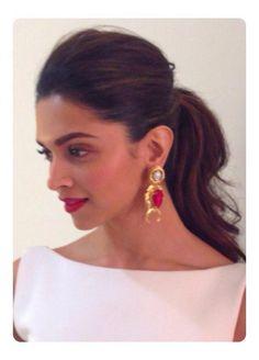Photos: Deepika Padukone Shows Sexy Back in Indore Indian Celebrities, Bollywood Celebrities, Bollywood Fashion, Bollywood Actress, Bollywood Style, Deepika Ranveer, Deepika Padukone Style, Indian Film Actress, Indian Actresses