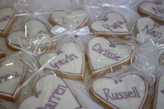 Personalised biscuit place cardsdouble as wedding favours. Biscuit Wedding Favours, Wedding Favours Fudge, Wedding Favours Luxury, Homemade Wedding Favors, Rustic Wedding Favors, Wedding Cookies, Wedding Decorations, Wedding Place Names, Wedding Name