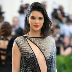 Kendall Jenner Just Posed Nude For 'Vogue Italia' And She Looks Amazing Buy Instagram Followers, Real Followers, Teen Vogue, Image Hd, Cornrows, Kendall Jenner, Supermodels, Blonde Hair, Celebs