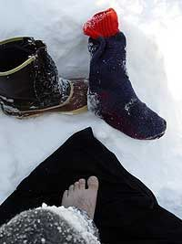 How to make Emergency Quick Dry Socks - In the middle of winter, knowing how to implement emergency survival gear could save your life. Cold weather conditions are nothing to laugh at and neither is hypothermia or frostbite from a wet foot.