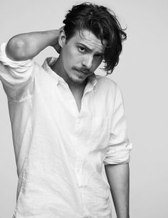 Xavier Samuel Creative Photography Poses, Portrait Photography Poses, Samuel Xavier, Jordan Barrett, Famous Portraits, Grunge Guys, Fashion Advertising, Gorgeous Men, Celebrity Crush
