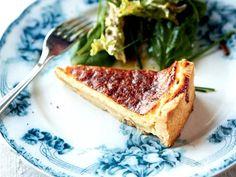 Per Morbergs recept på västerbottenpaj, en smakrik paj med västerbottensost. Recept från Morberg lagar husmanskost.