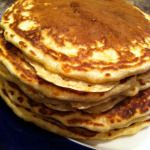 Every family needs a great pancake recipe for lazy Saturday mornings. From our family to ours, enjoy! Batter Mix, Real Maple Syrup, Lazy Saturday, Pancakes And Waffles, Cinnamon Apples, Great Recipes, Blueberry, Healthy Eating, Vegetarian