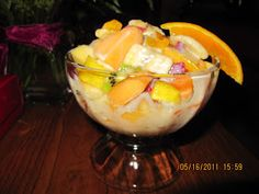 Ingredientes, kiwi, mango, platano, manzana verde o roja, naranja, pera, fresas,melon, OPCIONAL, coco, rayado,piña y granola o nuez, y ...