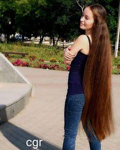 Image may contain: 1 person, standing, tree and outdoor Long Dark Hair, Very Long Hair, Loose Hairstyles, Funky Hairstyles, Formal Hairstyles, Wedding Hairstyles, Chelsea Houska Hair, Ash Blonde Hair, Brown Hair