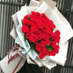 Saigon Flower Delivery - Send Flowers to Saigon - Saigon Flower Shop - Saigon Florist Beautiful Bouquet Of Flowers, Amazing Flowers, Love Flowers, Beautiful Roses, Purple Flowers, Flower Box Gift, Red Rose Bouquet, Flower Phone Wallpaper, Valentines Flowers