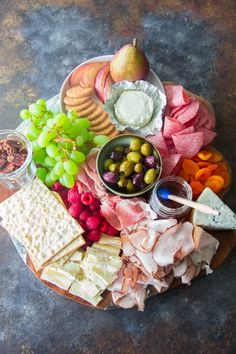 This luscious meat and cheese Charcuterie board with various flavors is a great no-fuss way to entertain a large group of people in a flash! Plateau Charcuterie, Charcuterie Board, Cookbook Recipes, Pork Recipes, Yummy Recipes, Sweet Dreams Bakery, Lamb Loin Chops, Stilton Cheese, Meat Trays