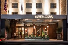 SoHo Hotel Hugo is a luxury boutique hotel in New York City. This beautiful SoHo Hotel is perfect for anyone visiting NYC or lower Manhattan. London Hotels, New York Hotels, Soho Hotel, Shake Shack, Rooftop Bar, Hugo, Amazing Bathrooms, Best Hotels, Countryside