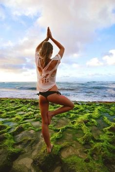 beauty + beach time and tree pose to find balance, core strength, and a more centered perspective