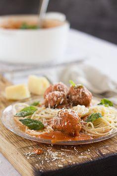 1. pasta-albondigas-en-salsa-de-tomate