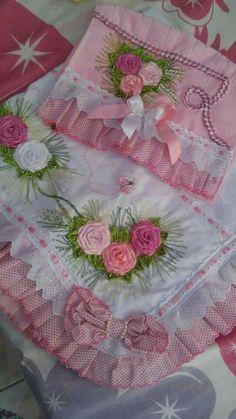 Image gallery – page 7529524362697951 – artofit Hand Embroidery Flowers, Silk Ribbon Embroidery, Satin Ribbon Roses, Polish Folk Art, Bathroom Crafts, Baby Dress Design, Felt Applique, Ribbon Work, Amigurumi Doll