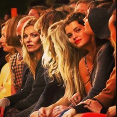 You don't get anyone more iconic sat on your front row! #LFW #katemoss @Topshop