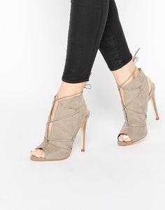 Shoes Sandals Meilleures Tableau Sandales Images Du Et Court 59 Boots HqZY0BY