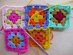 How to join granny squares as you go - excellent!