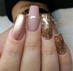Get nails, how to do nails, hair and nails, sparkly louboutins, sparkly nai Fabulous Nails, Gorgeous Nails, Pretty Nails, Get Nails, Love Nails, Fall Nails, Holiday Nails, Christmas Holiday, French Nails Glitter