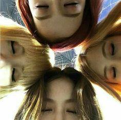 Image discovered by MIA. Find images and videos about kpop, rose and blackpink on We Heart It - the app to get lost in what you love. Kpop Girl Groups, Korean Girl Groups, Kpop Girls, Divas, 2ne1, Blackpink Jisoo, Yg Entertainment, Foto Rose, Jenny Kim