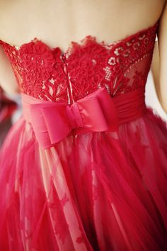 Red Dress with Bow| Photography: Erika Gerdemark