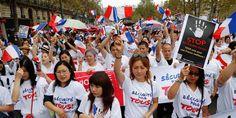 La manifestation survient après la mort de Zhang Chaolin, un couturier de…
