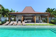 The villa Tinn Tamm is the perfect mix of #modernity and #balinese style