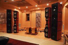 The Hub - Mike Lavigne's listening room closeup
