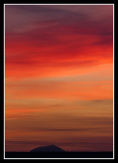 Caithness sunset over Morven Beautiful Islands, Beautiful Images, Land Of The Brave, Moving To New Zealand, Backpack Through Europe, Ben Nevis, England Ireland, Nature View, Landscape Pictures