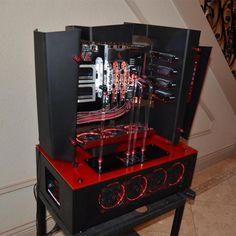 "Big Red is the first build for Richie ""Shadozerg"" Surroz. If that name sounds familiar, it's because Richie is the son of veteran modder Richard ""DarthBeavis"" Surroz, whose work has graced our pages a number of times."