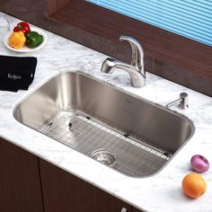 Vigo 30.0-In X 19.0-In Stainless Steel Single-Basin Stainless Steel ...