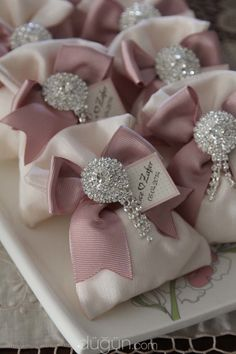 These pretty favour pouches can be made in various colours and decor. Please dm/whatsApp or email for more information. Creative Wedding Gifts, Wedding Gifts For Guests, Personalized Wedding Gifts, Wedding Favours, Diy Wedding, Diy Favours, Wedding Favour Pouches, Decorated Gift Bags, Last Minute Wedding