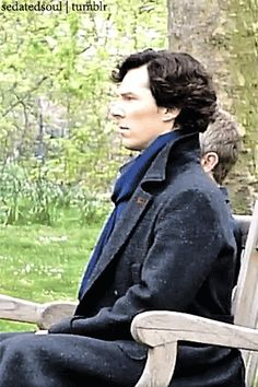he can turn from Sherlock to Benedict in like 1 second