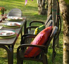 Detalhes que fazem a diferença na Galeria das Lonas.  Mesa Alloro e Cadeira Palma.  Aproveite que é sábado e venha nos visitar!  www.galeriadaslonas.com.br    #galeriadaslonas #galeria60anos #galeria #lonas #tradicao #decoracao #decor #decorando #arquiteto #decorador #moveis #qualidade #areasexternas #piscina #jardim #varanda #compras #euquero #detalhes #diferenca #sabado #bomdia #bomfinaldesemana