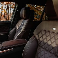 The GL550, with its designo, diamond-stitched upholstery, blends innovation with traditional craftsmanship to create an interior with unmatched elegance.