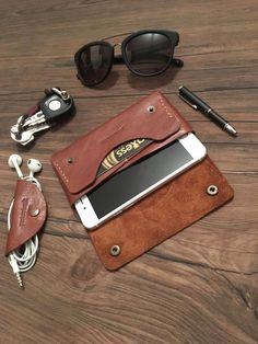 Phone Case Handmade Handmade leather iphone 7 - 7 plus case - İphone case - leather case - leather . Handmade Leather Wallet, Leather Gifts, Iphone 7, Iphone Cases, Leather Workshop, Iphone Leather Case, Camera Tips, Camera Gear, Film Camera