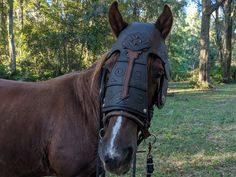Arod Chanfron Horse Face Armor in Brown Leather Color - Medieval Equine Foam Armor Barding Costume - Gifts For Horse Lovers, Gift For Lover, Truck Bed Liner, Foam Armor, Wood Burning Tool, Santa Claus Hat, Horse Face, Legolas, Making Out