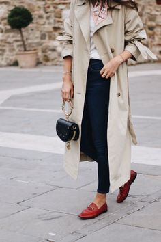 Fendi Silk Foulard | Red Gucci Jordaan Loafer | Trench Coat | Topshop Jamie Jeans | Fashionnes | Instagram @fashionnes_blog
