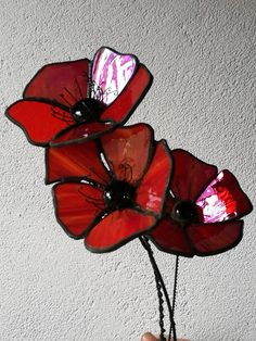 stained glass projects for outdoors Stained Glass Ornaments, Stained Glass Flowers, Stained Glass Suncatchers, Stained Glass Crafts, Stained Glass Designs, Stained Glass Panels, Stained Glass Patterns, Leaded Glass, Mosaic Art
