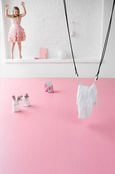 Joy joy joy :-) Oak PINK, brushed matt lacquered, floor that makes you wanna play. Wooden Flooring, Different Styles, Floors, Make It Yourself, Play, Modern, Beautiful, Pink, Wood Flooring