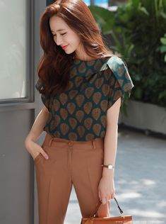 Korean Women`s Fashion Shopping Mall, Styleonme. Trendy Dresses, Casual Dresses, Fashion Dresses, Kurti Designs Party Wear, Kurta Designs, Look Office, Stylish Work Outfits, Fancy Blouse Designs, Indian Designer Outfits