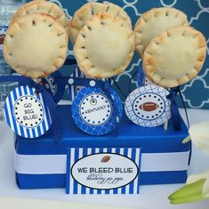 We bleed blue - blueberry pie pops. Seriously awesome but I would just have to change it for BYU! i bleed blue Breville Pie Maker, Football Tailgate, Football Parties, Flag Football, Football Season, Pie Pops, Game Day Food, Fun Desserts, Blueberry