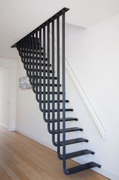Few Breathtaking DIY Stairs Projects staircase In most of the houses stairs are just being used from taking you from one point to another. If your stairs do the same purpose only then you are missi. Steel Stairs, Loft Stairs, House Stairs, Deck Stairs, Basement Stairs, Stair Railing Design, Railings, Banisters, Stair Treads