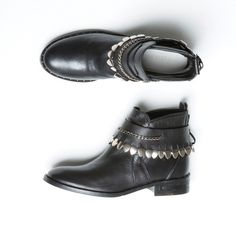 Black Calf jodhpur ankle boots with removable bracelet boot from Freda Salvador made with calf leather https://www.facebook.com/%C5%A0tiklahr-499632726757786/