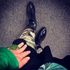 "//Outfit of the day - ""Botanic Flair""  Leggings: Calzedonia, Lederjacke: Mango, Rock: Vero Moda, Tuch: H&M, Schuhe: Deichmann, Ring: Kristallzauber  xoxo loo"