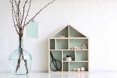 Wij vroegen drie bloggers de displaykast van Bloomingville te stylen en een mooi plekje in huis te geven. @Angelina Catharina  maakte dit rustige stilleven!