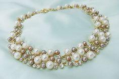 Statementkette Weiss-Beige-Grau-Goldfarben Perlen von crisca-my-heart auf DaWanda.com