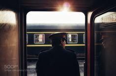 Popular on 500px : 摄于寒假回家的火车上彼时的我满头大汗的正在往车厢里挤整个车厢交接处一片人挤人的喧嚣还夹杂着烟味汗臭味和红烧牛肉面的味道 by 136314797