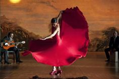 Andalucia is the home of flamenco, an spanish tradition filled with passion and feeling. Discover flamenco dance, one of the secrets of Spanish diversity. Genre Musical, Spanish Dancer, Spanish Music, Beauty And Fashion, Dance Movement, Lets Dance, Dance Photography, Lady In Red, Painting Art